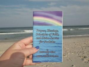 Noahide prayers at the beach